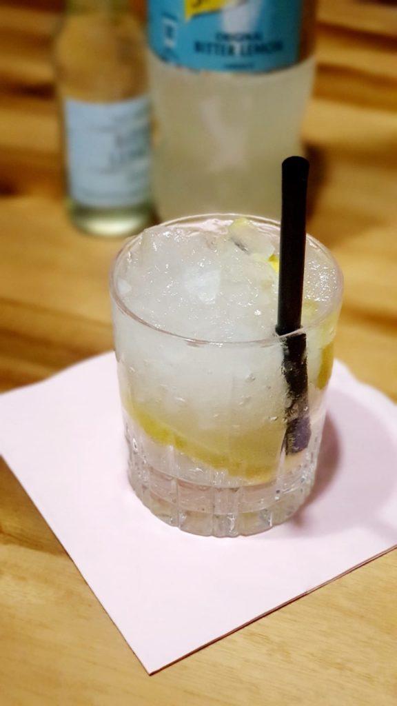 Gin mit Bitter Lemon mischen, eine tolle Alternative zu Tonic Water