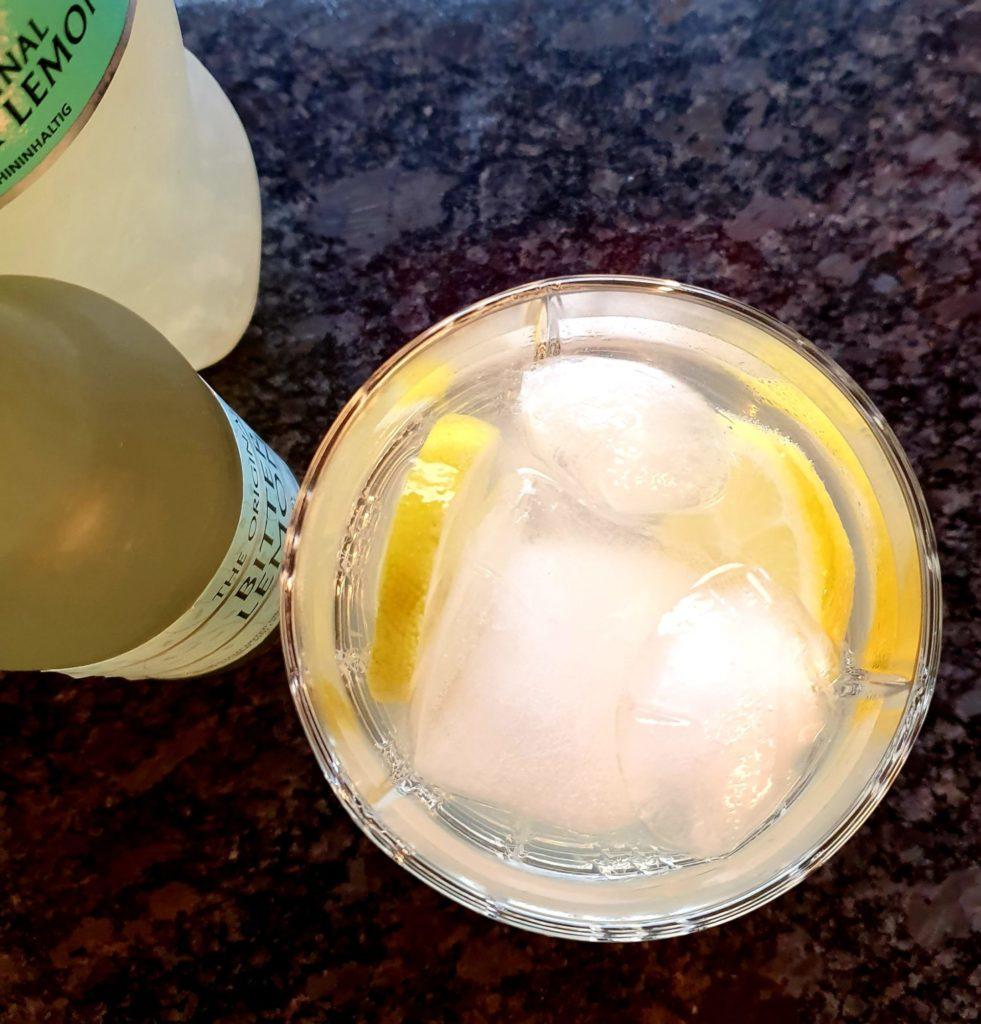 Gin mit Bitter Lemon
