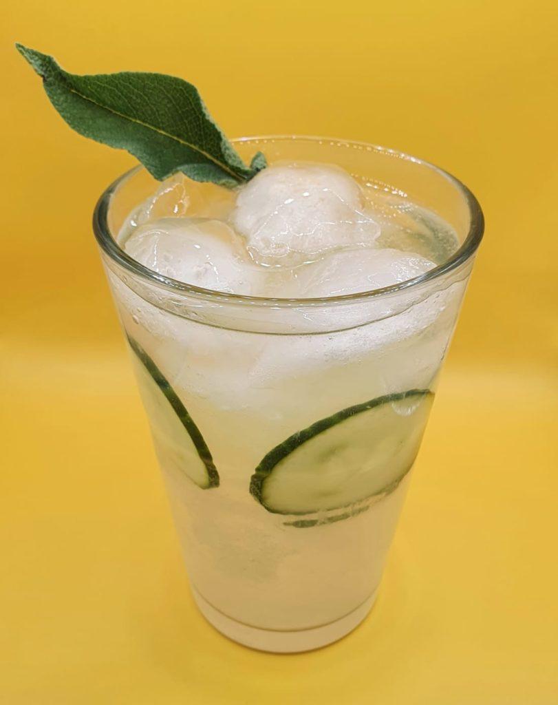 Gurkenlimonade mit Gin